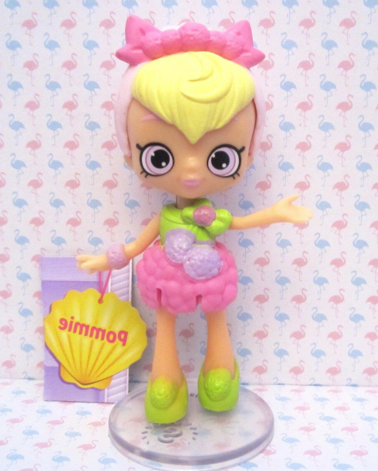 shopkins happy places pommie doll w stand