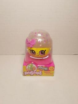 Shopkins Squeezkins Cupcake Queen Squeeze Toy Free Shipping